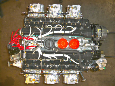 A complete euro engine showing single distributor is a sight to behold, and to hear (15089).