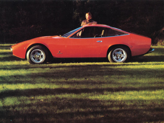 Color photo from Ferrari factory sales brochure publication 55/71